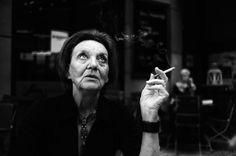 抽烟的女人2013索尼世界摄影奖作品