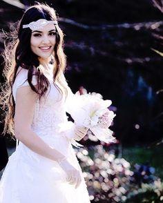 ❤Miss αesɦ ❤ Stylish Girls Photos, Girl Photos, Turkish Beauty, Indian Beauty, Afghan Wedding Dress, Wedding Dresses, Cute Girl Face, Woman Crush, Beautiful Actresses