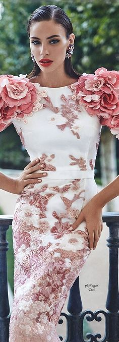 New Fashion Runway Gowns Style Ideas Floral Fashion, Love Fashion, High Fashion, Fashion Show, Fashion Dresses, Couture Fashion, Runway Fashion, Womens Fashion, The Dress