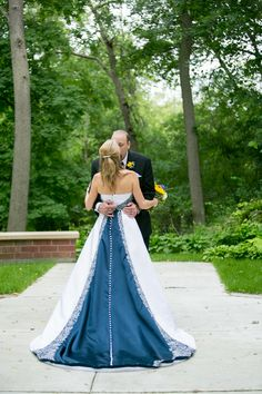 Dawn & Chad's Sunflower & Navy Blue Classic Summer Wedding|Photographer:  Jeannine Marie Photography