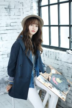 On February actress Kim So Hyun posted four lovely pictures from her recent pictorial with 'SOUP', garnering much interest with her matured looks. Kim So Hyun Fashion, Korean Fashion, Korean Beauty, Asian Beauty, Asian Woman, Asian Girl, Hyun Kim, Kim Sohyun, Kim Yoo Jung