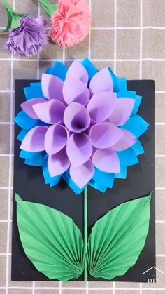 Cool Paper Crafts, Paper Flowers Craft, Paper Crafts Origami, Flower Crafts, Diy Flowers, Diy Paper, Origami Wall Art, Handmade Flowers, Diy Crafts Hacks
