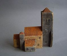 ミニチュアの模型 イギリス Clay Houses, Ceramic Houses, Miniature Houses, Spirit Sticks, Driftwood Art, Sculpture Clay, House Made, Wood Toys, Little Houses