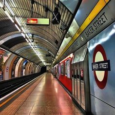 London underground is special Old London, London City, Alfred Stieglitz, Tube Stations London, London Underground Train, Jubilee Line, Walks In London, U Bahn, London Photography