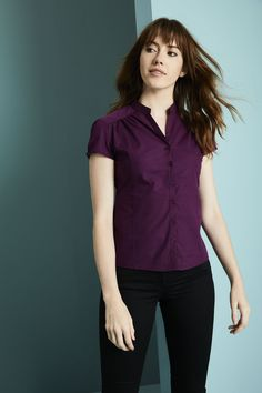 dámské halenky a kalhoty Shirt Sleeves, Puff Sleeves, Plum Color, Tailored Trousers, Work Blouse, Work Wear, Take That, Feminine, Front Button
