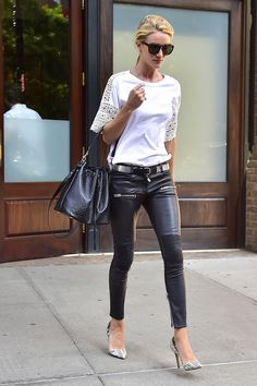Las prendas metálicas son la última gran tendencia de la temporada, conócela y descubre como aplicarla en tus looks.