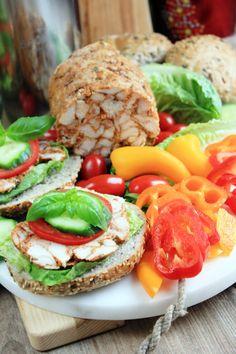 Zupa gulaszowa | Tysia Gotuje blog kulinarny Salmon Burgers, Feta, Ethnic Recipes, Blog, Blogging
