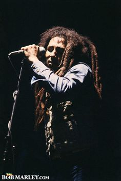 Bob Marley & The Wailers - 1978 - Houston Music Hall. Dancehall Reggae, Reggae Music, Rock Music, Bob Marley Legend, Reggae Bob Marley, Damian Marley, Jamaica, Bob Marley Pictures, Famous Legends