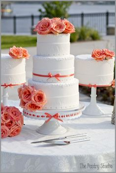 i love that the cake AND the cake plate have the same ribbon!