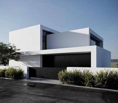 Color home design ideas. Contemporary house designs have a whole lot to use to a modern occupant. Finally, the modern house architecture does not restrict creative minds whatsoever. Minimalist Architecture, Modern Architecture House, Facade Architecture, Residential Architecture, Facade Design, Exterior Design, Modern Villa Design, Modern Contemporary House, Minimal House Design