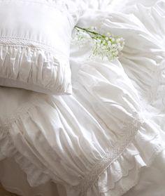 Роскошные белые кружева рюшами постельных принадлежностей, Две полный королева король хлопок девушка, Французская принцесса замуж домашний текстиль покрывало купить на AliExpress