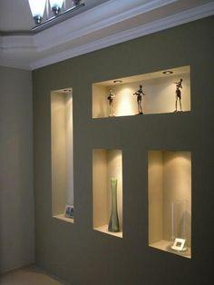 Полки в стене из гипсокартона и декоративные арки