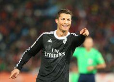 Cristiano Ronaldo tem mais golos que Messi, Neymar e Suárez juntos http://angorussia.com/desporto/cristiano-ronaldo-tem-mais-golos-que-messi-neymar-e-suarez-juntos/