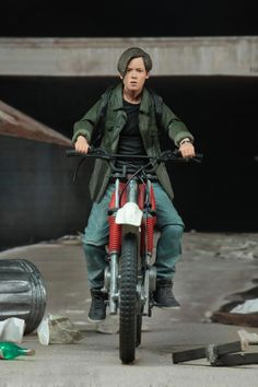 TheArnoldFans - News - Exclusive First Look at Ultimate John Connor by NECA! The Terminator 2, Terminator Movies, Live Action Movie, Action Movies, Action Figure Display, Action Figures, Edward Furlong, John Connor, Sculptures
