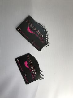 Tarjetas de visita con troquelado láser de alta definición y tinta flúor. ¡Completamente diferenciadoras! Nail Salon Decor, Beauty Salon Decor, Business Card Design, Business Cards, Home Hair Salons, Eyelash Salon, Lashes Logo, Lash Room, Name Card Design
