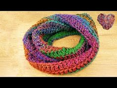 Crochet Loop Scarf Autumn scarf with a great pattern Simple & quick guide for beginners – Socken Stricken Crochet Loop, Crochet Scarves, Knit Slippers Free Pattern, Knitted Slippers, Easy Knitting, Knitting Patterns, Crochet Circles, Twist Headband, Seed Stitch