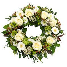 Offener, runder Trauerkranz in Weiß, Silber, Grün und Braun. Online auch möglich by Die Blumenkönigin ,Frankfurt am Main