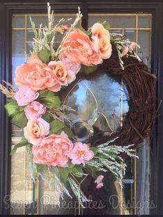 Door Monogram, Pineapple Design, New Things To Learn, Grapevine Wreath, Grape Vines, Floral Wreath, Bows, Wreaths, Door Hangers