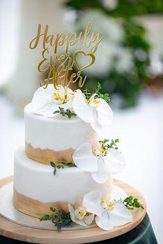 Orchid Wedding Cake, White And Gold Wedding Cake, 2 Tier Wedding Cakes, Orchid Cake, Wedding Cake Designs, Wedding Cake White, Purple Wedding, Lace Wedding, Diy Wedding Food