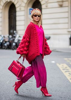 Gitta Banko wearing a chunky knitted Warm Up Ruby cardigan by Mums Handmade pink cashmere sweater by Jadicted pleated viscose trousers in purple to. Star Fashion, Look Fashion, Winter Fashion, Womens Fashion, Fashion Design, Look Street Style, Street Chic, Paris Street, Street Styles