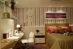 Papel de parede para quarto de casal moderno - fotos As paredes têm uma grande importância na decoração de um espaço. Elas servem de base para toda a decoração de uma divisão, seja através da cor escolhida, seja através das imagens ou padrões aqui definidos. Se está a pensar decorar ou remodelar...  Ver mais em: http://www.decoracaointeriores.org/papel-de-parede-para-quarto-de-casal/ #home #sweethome #bathroom #decor #design