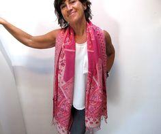 pañuelo tejido y bordado a mano de lana chal tejido por katakdesign