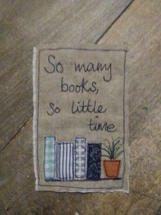 Nothing like a good book!! | Su Parkes Textiles Freehand Machine Embroidery, Free Motion Embroidery, Free Machine Embroidery, Embroidery Stitches, Hand Embroidery, Embroidery Designs, Fabric Cards, Fabric Postcards, Sewing Appliques