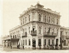 Botanic Hotel at the corner of  North and East Terraces,Adelaide in South Australia in 1895. •State Library of South Australia•   🌹