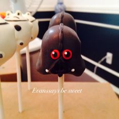 Darth Vader Star Wars Angry Birds cake pops by Evanssays be sweet