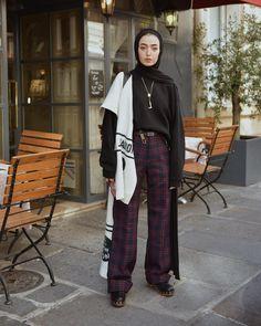 Hijab + Plaid Pants + Tucked In (leenalghouti) Modern Hijab Fashion, Street Hijab Fashion, Hijab Fashion Inspiration, Muslim Fashion, Aesthetic Fashion, Urban Fashion, Fashion Outfits, Casual Hijab Outfit, Hijab Chic