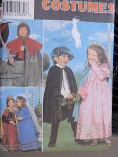 Simplicity Renaissance Medieval Knight Damsel Costume Pattern 8318 Childs Un Halloween Patterns, Costume Patterns, Sewing Patterns, Clothes Patterns, Renaissance Costume, Medieval Costume, Knight Halloween, Halloween Costumes, Kids Dress Up Costumes