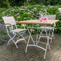 Bellini Folding Bistro Set: The English look gives this furniture its fun and…