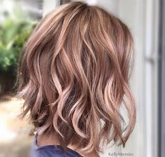 19 Perfect Short Hairstyles For Fine Hair Hair Gold brown hair haircut and color ideas for thin hair - Hair Color Ideas Blond Rose, Rose Gold Hair Blonde, Rose Gold Brown Hair Color, Rose Gold Short Hair, Rose Gold Ombre, Ombre Brown, Gold Hair Colors, Cabelo Rose Gold, Rose Gold Bayalage