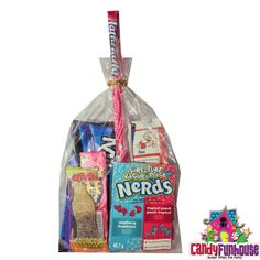 The Amazing Candy Funhouse Loot Bags are fill with the most popular candy that you know and love. Perfect for any corporate event or party. Loot Bags add sweetness to any event! Candy Gift Baskets, Candy Gifts, Everlasting Gobstopper, Nerds Rope, Popular Candy, Nostalgic Candy, Online Candy Store, Fun Dip, Laffy Taffy