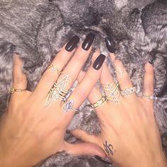 """Khloe Kardashian """"Rings and things """""""