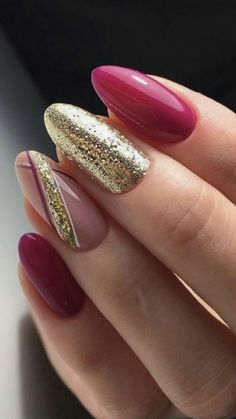 Nail art Christmas - the festive spirit on the nails. Over 70 creative ideas and tutorials - My Nails Nagellack Design, Nagellack Trends, Gorgeous Nails, Pretty Nails, Red Nails, Hair And Nails, Xmas Nails, Nagel Hacks, New Nail Designs