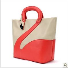 This purse. | Community Post: 15 Random Gifts For That One Friend Who Really Loves Flamingos
