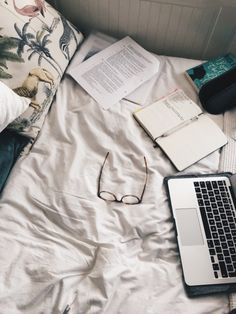 """freckledstudy: """"18 Sept 16 — messy messy non-desk desk. 2 weeks and I'll be back in Cambridge after a stupid number of months off for summer. !!! Currently reading I Know Why The Caged Bird Sings by Maya Angelou and couldn't recommend it more; I'm..."""