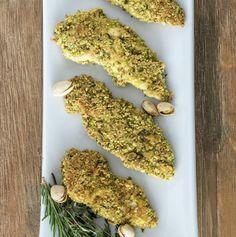 Poulet en croûte de pistaches, attention c'est bon ! - Kiss My Chef Attention, C'est Bon, Gluten, Herbs, Chicken, Cooking, Food, Crusted Chicken, Tandoori Chicken