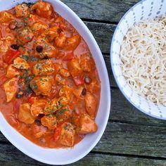 Gerechten zonder pakjes en zakjes #231. Pastasaus bolognese (Bertolli) - Tempeh, Indonesian Food, Snacks, Tasty Dishes, Food Hacks, Slow Cooker, Cooking, Ethnic Recipes, Foods