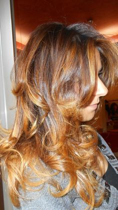 Spotted...in salone! C'è differenza tra colorare i capelli e il Degradé Joelle... #cdj #degradejoelle #tagliopuntearia #degradé #dettaglidistile #welovecdj #beautifulhair #naturalshades #hair #hairstyle #hairstyles #haircolour #haircut #fashion #longhair #style #hairfashion