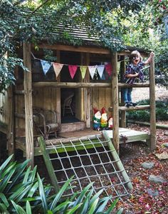 woodsy outdoor play cabin