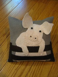 Baby Pig/Piglet Wool Applique Pillow