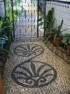 30 Amazing Diy Mosaic Decorations Ideas To Inspire Your Own Garden Mosaic Walkway, Pebble Mosaic, Mosaic Diy, Stone Mosaic, Garden Paths, Garden Art, Garden Design, Rock Pathway, Home Landscaping