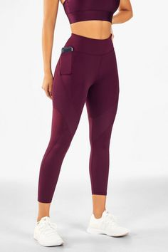 workout clothes for women yoga leggings crossfit apparel brands trail running pants womens bootcut yoga pants Legging Outfits, Sporty Outfits, Athletic Outfits, Athletic Clothes, Yoga Outfits, Gym Clothes Women, Cute Gym Clothes, Running Outfits, Cute Workout Outfits