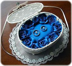 ateliersarah's ring pillow/Basket stuffed with blue rose