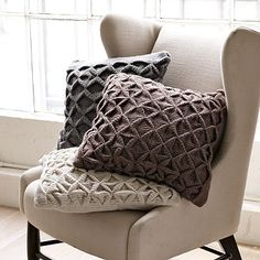 these knit sweater pillows look perfect!!
