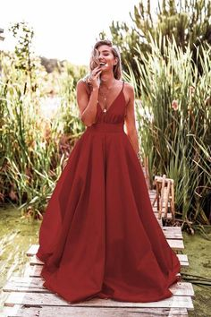 Spaghetti Straps V-Neck Red Long Prom Dress cg1594