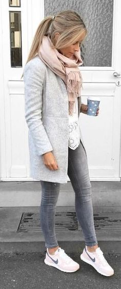 Trendy Street Style Winter Outfits and Street Chic Clothes - Love This Styles - Winter Mode Look Fashion, Daily Fashion, Autumn Fashion, Fashion Outfits, Womens Fashion, Fashion Clothes, Clothes Women, Woman Clothing, Fashion Ideas