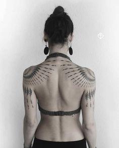 fractal body suit in progre… Tribal farn fractal piece mirrored. fractal body suit in progress. Henna Tattoo Muster, Mandala Arm Tattoo, Skull Tatto, Neck Tatto, Kunst Tattoos, Body Art Tattoos, Tatoos, Tattoo Art, Tattoo Abstract